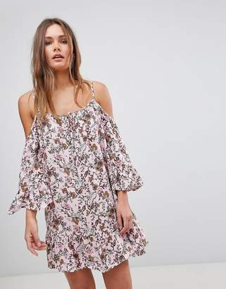 En Creme En Crme Cold Shoulder Floral Dress With Tassel