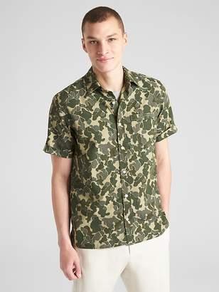 Standard Fit Camo Print Short Sleeve Shirt