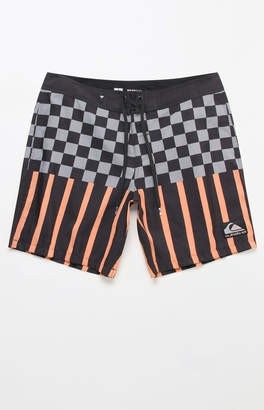 """Quiksilver Check Magnet 18"""" Boardshorts"""