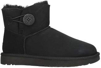 UGG Mini Bailey Button In Black Suede