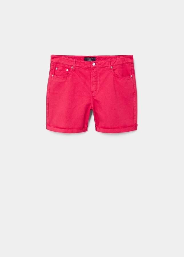Farbige Jeansshorts