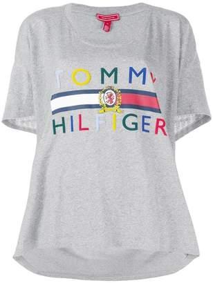 Tommy Hilfiger (トミー ヒルフィガー) - Tommy Hilfiger high low logo T-shirt