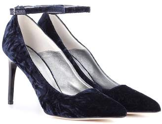 Oscar de la Renta Crushed velvet pumps