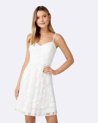Forever New Annie Embroidered Soft Prom Dress