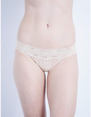 Wacoal Halo stretch-lace bikini briefs