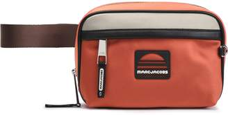 Marc Jacobs (マーク ジェイコブス) - Marc Jacobs カラーブロック サテン ベルトバッグ