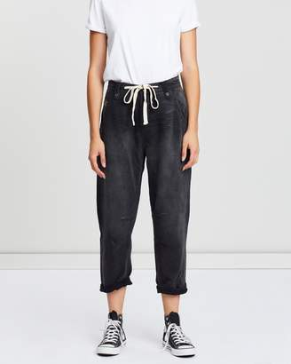 One Teaspoon Safari High-Waist Relaxed Tapered Jeans
