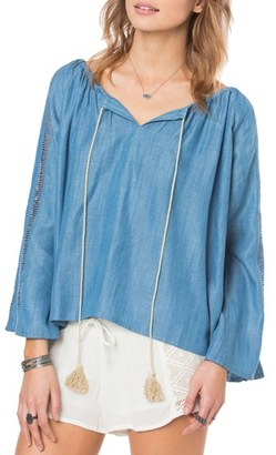 O'Neill 'Mercer' Chambray Peasant Top $54 thestylecure.com