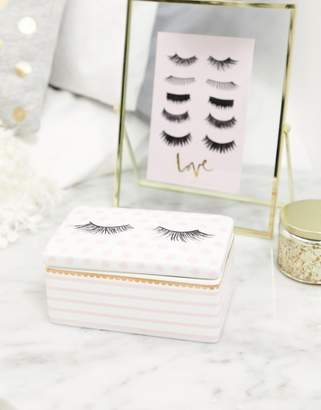 Candlelight storage for eyelashes