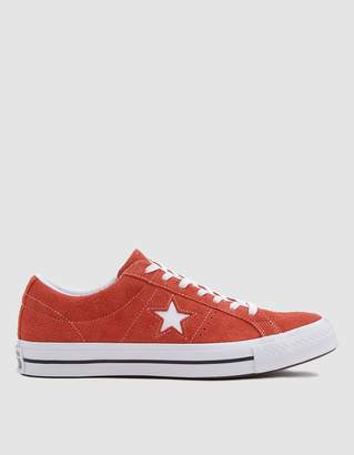 Converse One Star Sneaker in Red
