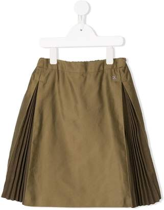 Fith pleated side panel skirt
