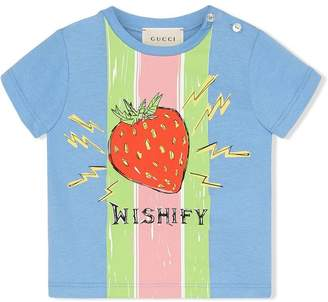 885d5b90e Gucci Kids Baby T-shirt with strawberry print