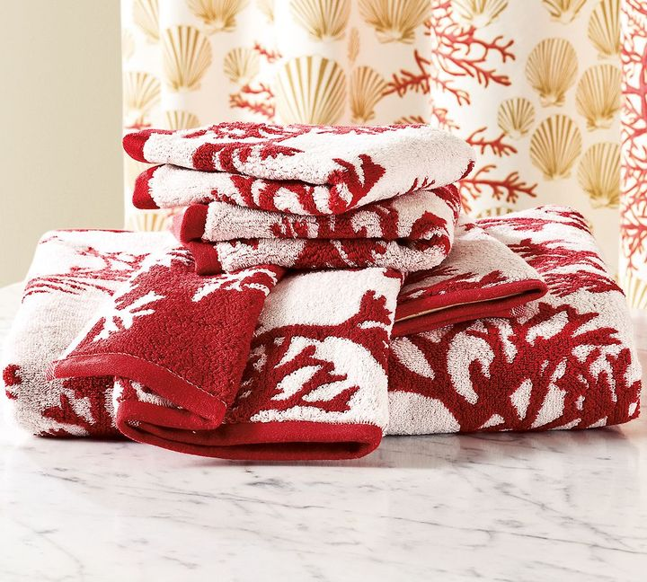 Coral Jacquard Bath Towels