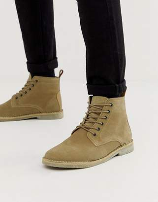 Asos Design DESIGN desert boots in stone suede with leather detail