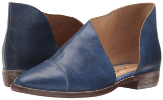 Free People Royale Flat $198 thestylecure.com