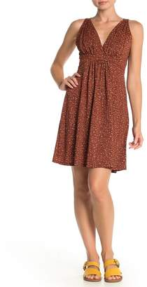 Papillon Floral Sleeveless Pleated Dress