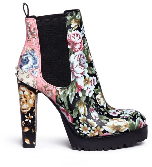 Alexander McQueenAlexander McQueen Embroidered floral print stud leather Chelsea boots