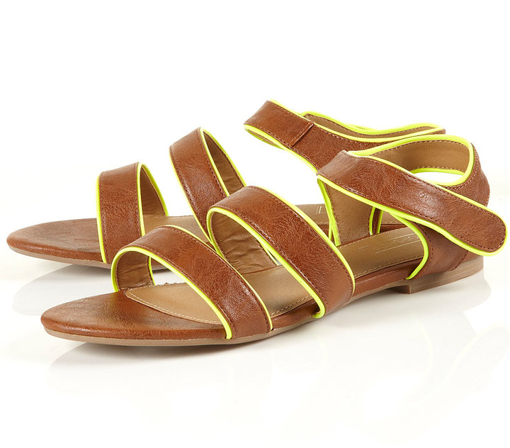 HIGHLIGHT Patent Sandals