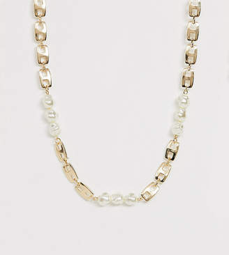 Reclaimed Vintage inspired chain necklace with faux pearl detail