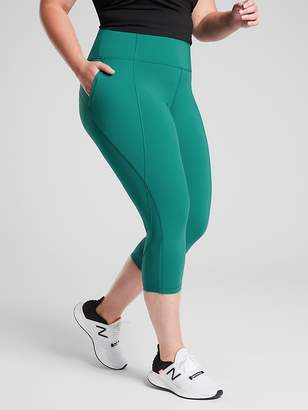 Athleta Lightning Capri in SuperSonic