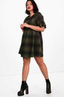 boohoo Plus Tartan Frill Sleeve Smock Dress