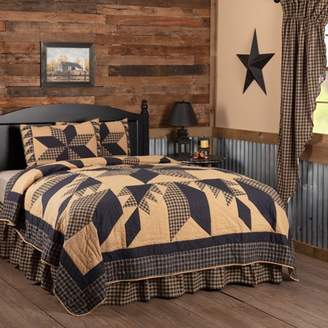 Ashton & Willow Country Black Country Bedding Lansing Black Cotton Pre-Washed Patchwork Star Queen Quilt Set (Quilt, Sham)