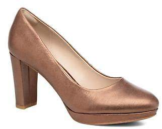 Clarks Women's Kendra Sienna Rounded toe High Heels in Gold