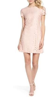 Julia Jordan SHORT SLEEVE LACE SHIFT DRESS