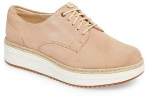 Clarks R) Teadale Rhea Sneaker