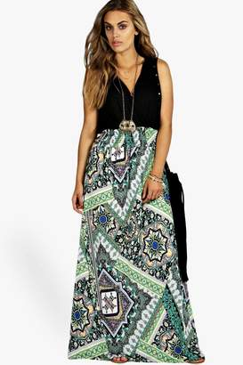 boohoo Plus Paisley Print Contrast Maxi Dress