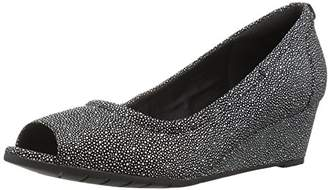 Clarks Women's Vendra Daisy Dress Pump
