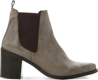 Steve Madden Leather gusset boots