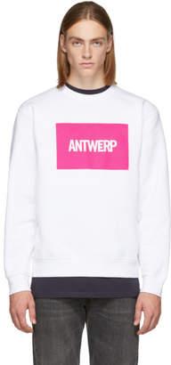 Vier SSENSE Exclusive White Box Logo Sweatshirt