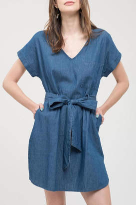 Blu Pepper Vneck Chambray Dress