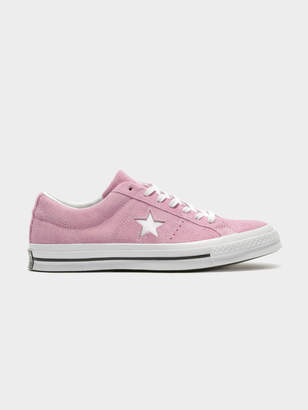 Converse Unisex One Star Premium Suede Sneakers in Pale Pink