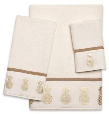 Golden Pineapple Fingertip Towel in Ivory