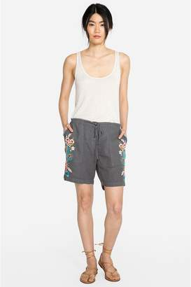 f235e4c3d52 at Orchard Mile · Johnny Was Vernazza Linen Short