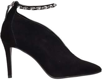 Lola Cruz Black Suede Leather Pumps