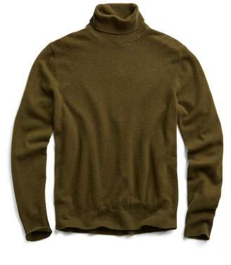 Todd Snyder Cashmere Turtleneck in Olive