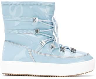 Chiara Ferragni snow boots