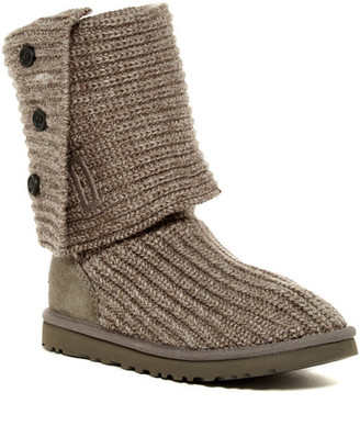 UGG Australia Classic Cardy Genuine Sheepskin Lined Boot $150 thestylecure.com