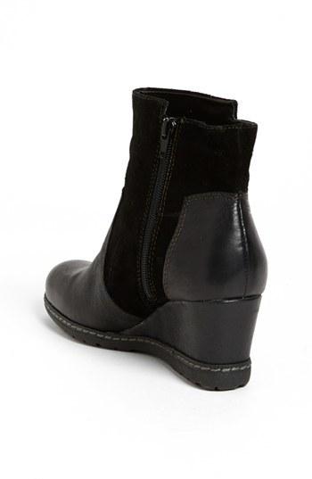 Earth 'Hilltopper' Boot