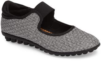 Bernie Mev. Kendra Mary Jane Sneaker