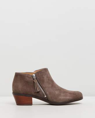 Vionic Serena Ankle Boots
