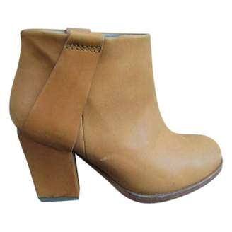 Surface to Air Beige Leather Ankle boots