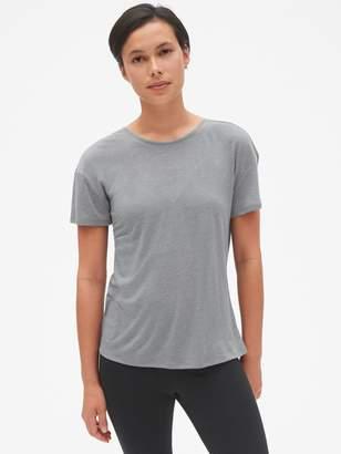Gap GapFit Breathe V-Back T-Shirt