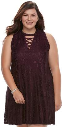 Juniors' Plus Size Liberty Love Lace Shift Dress
