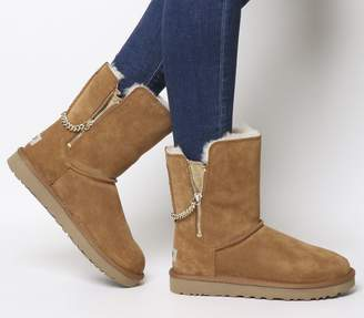 6fc2aaacbe9 Ugg Zip Boots - ShopStyle UK