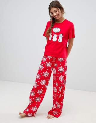Asos Design DESIGN christmas chilling with my snowmies pyjama tee and  trouser set 7ac736344