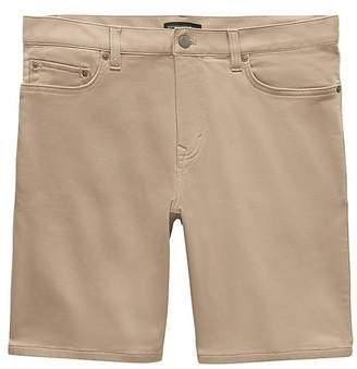 "Banana Republic 9"" Traveler Aiden Slim Short"